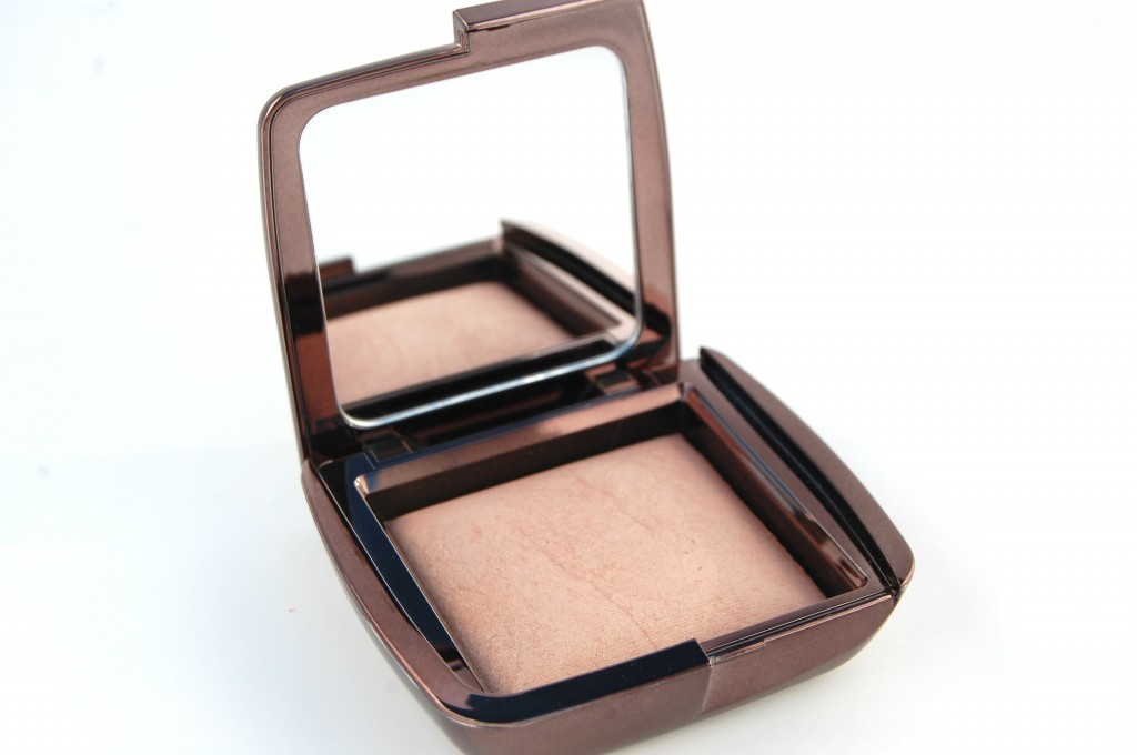 Hourglass Ambient Lighting Powder in Radiant Light
