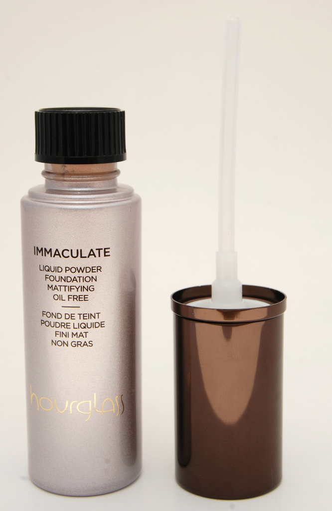 Hourglass Immaculate Liquid Powder Foundation  (1)