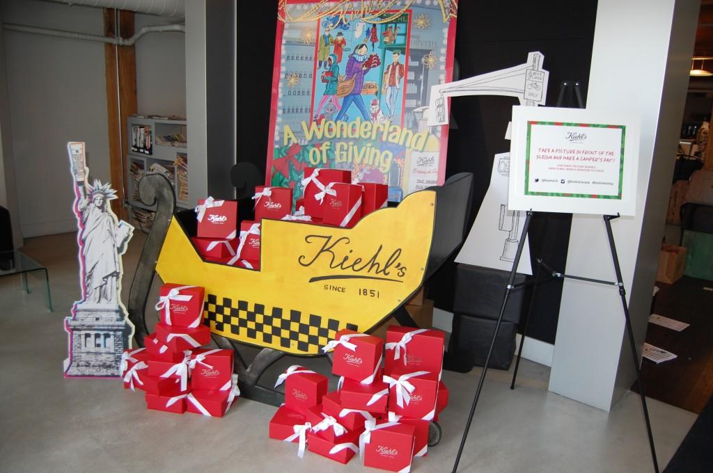 Kiehl's A Wonderland of Giving  (2)