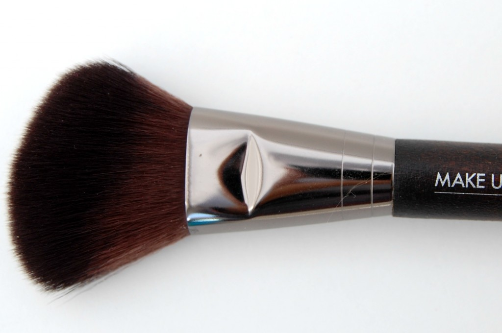 Make Up For Ever Artisan Brush  (2)