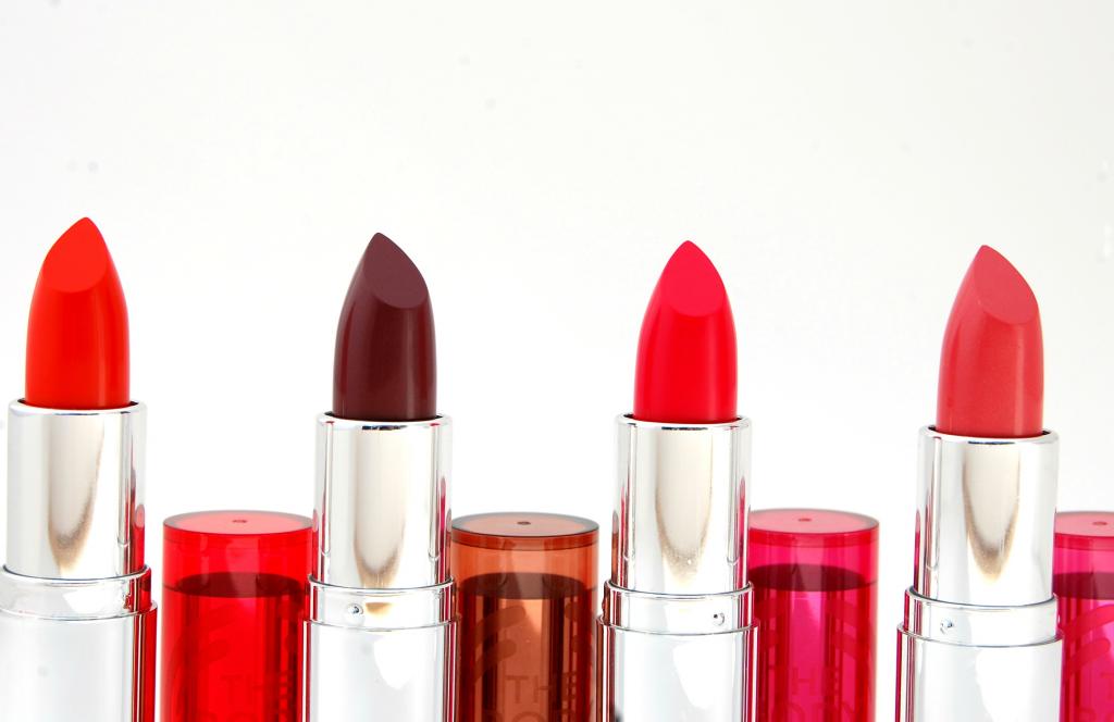 The Body Shop Colour Crush Lipstick  (1)