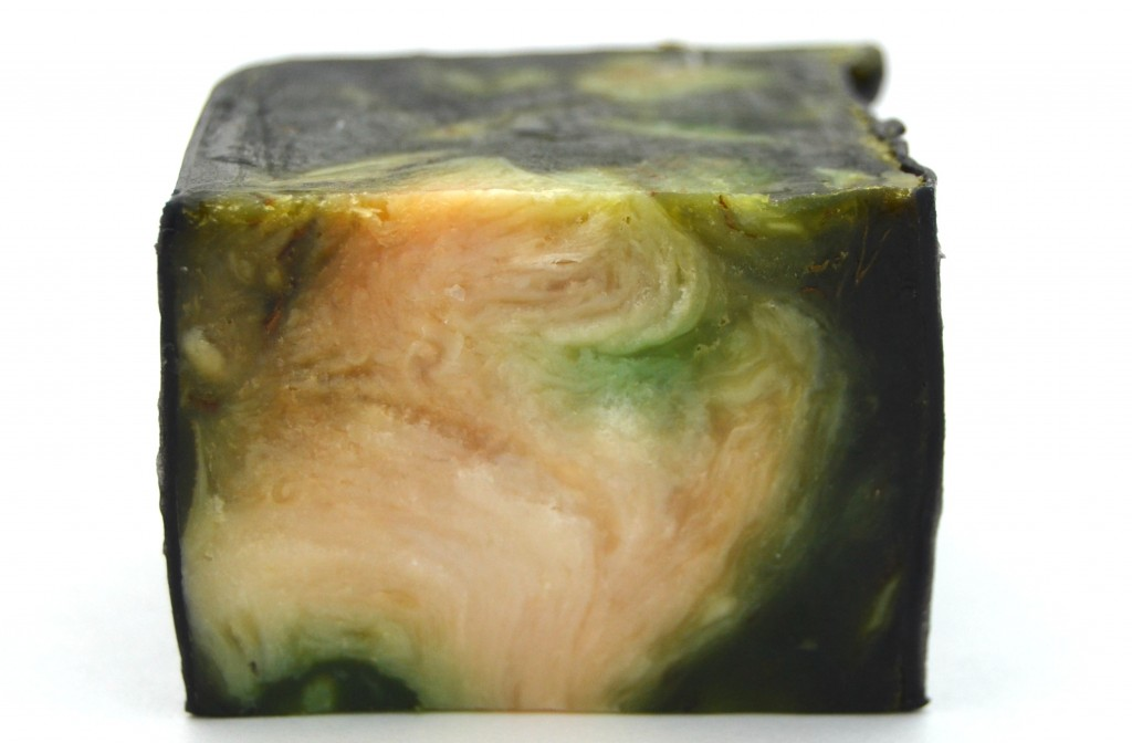 LUSH Demon in the Dark Soap  (1)