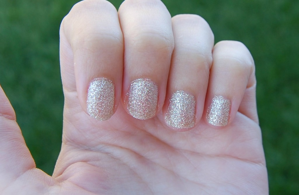 OPI My Favorite Ornament (4)