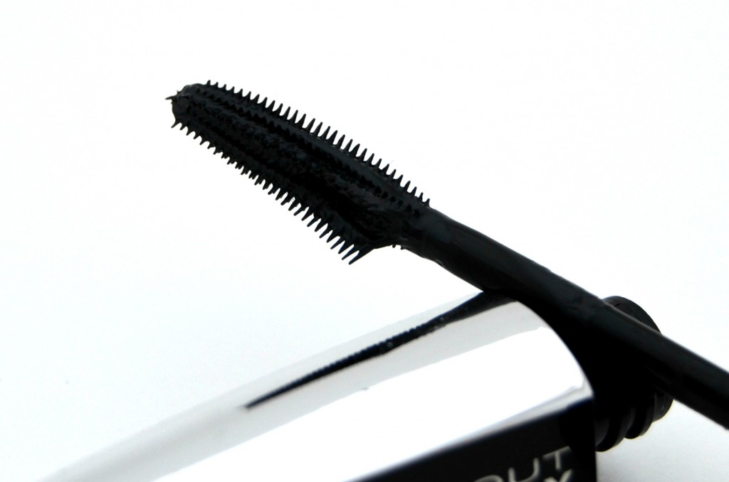 L'Oreal Paris Voluminous Butterfly Mascara  (4)