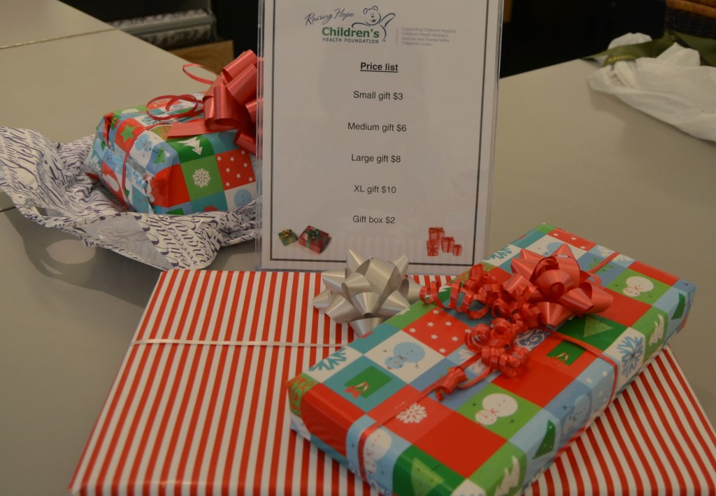 Gift Wrapping (3)