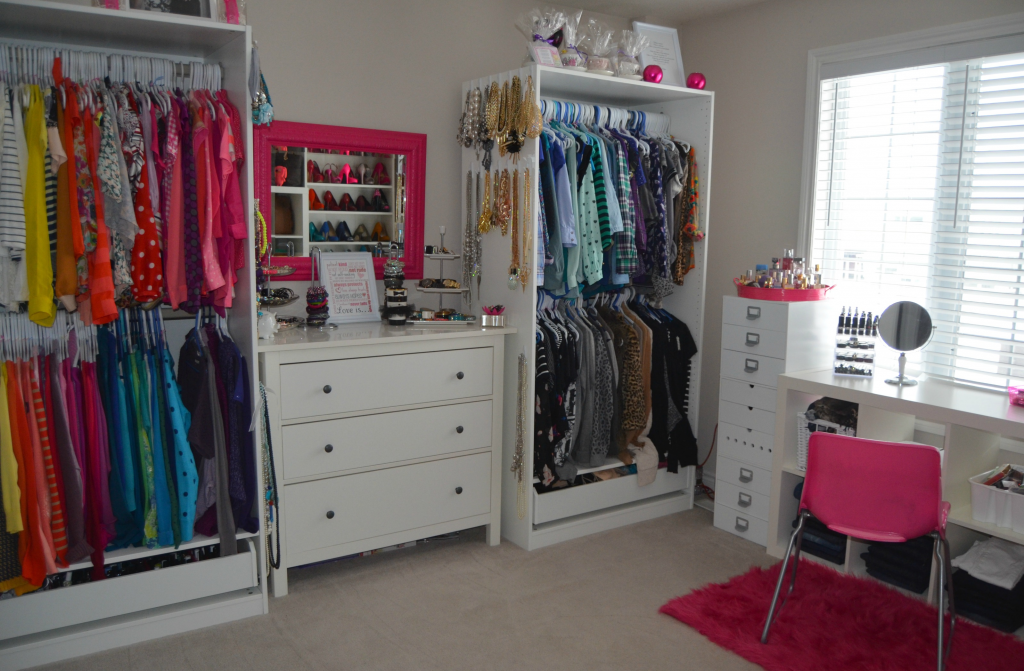 Beauty Room/ Walk In Closet