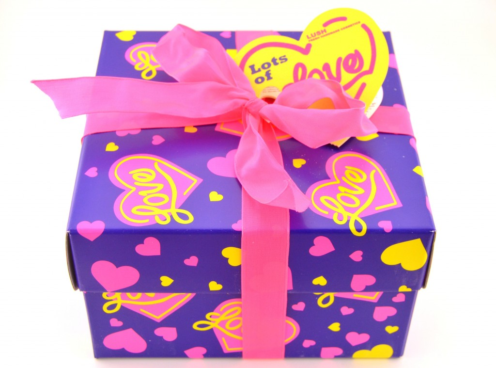LUSH Lots of Love Gift Set  (1)