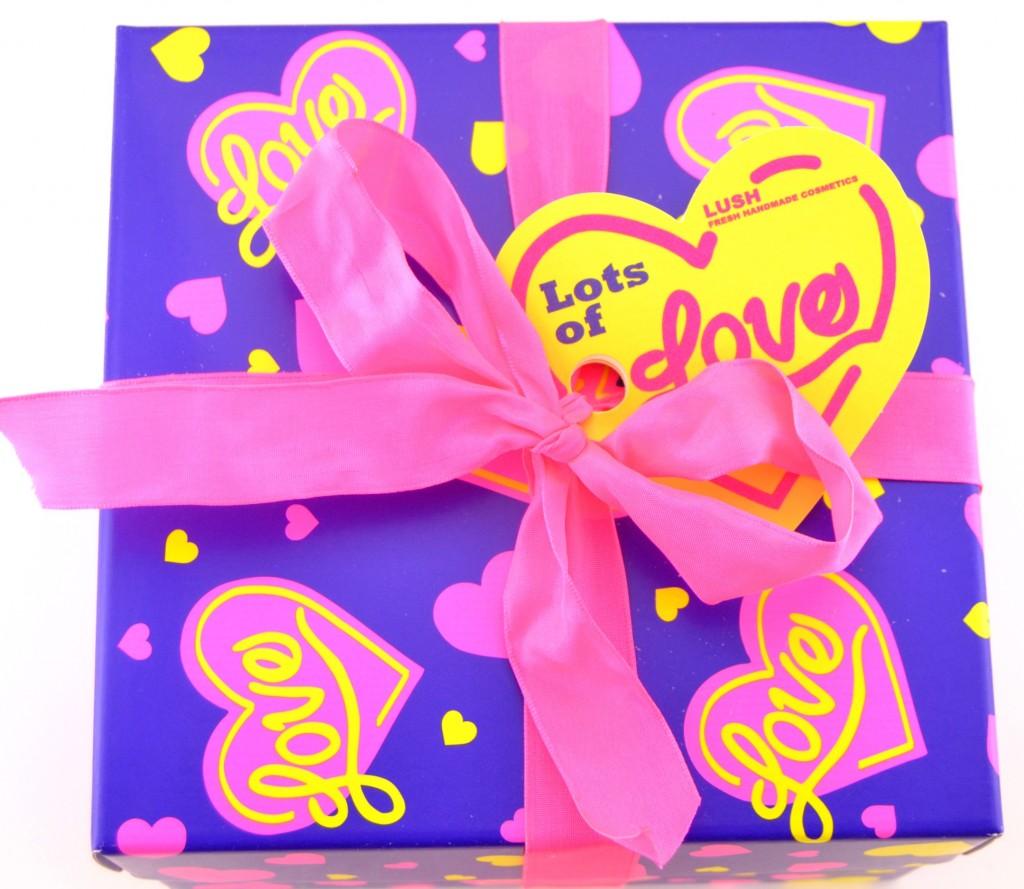 LUSH Lots of Love Gift Set