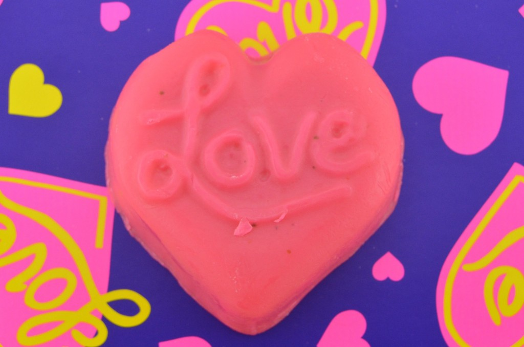 LUSH Lots of Love Gift Set  (3)