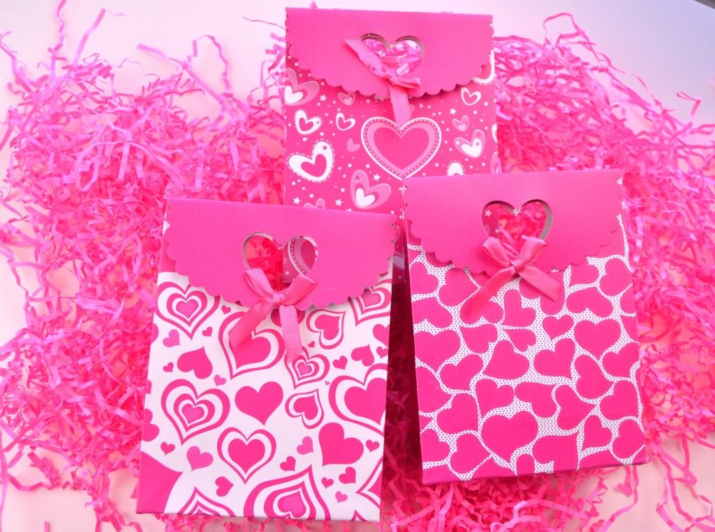 Valentine's Chocolate Covered Pretzels (5)