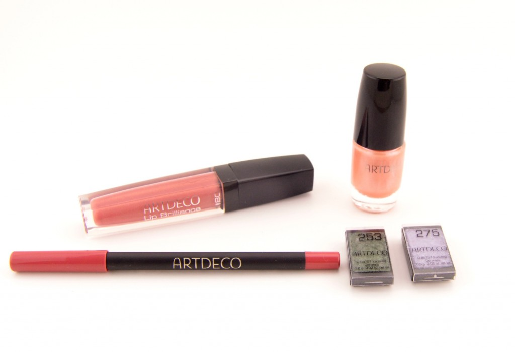 ARTDECO Love is in the Air Collection (1)