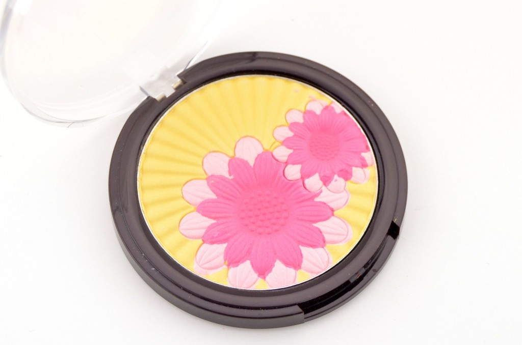 Mark. Blooming Pretty Highlighting Face Powder  (2)