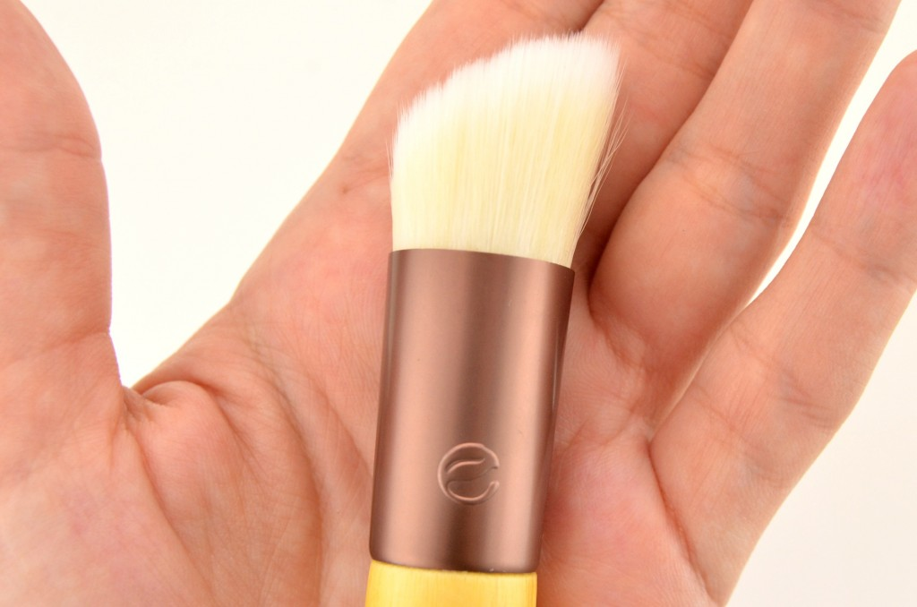 EcoTools Skin Perfecting Brush (3)