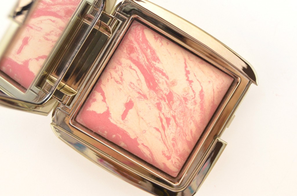 Hourglass Ambient Lighting Blush  (3)