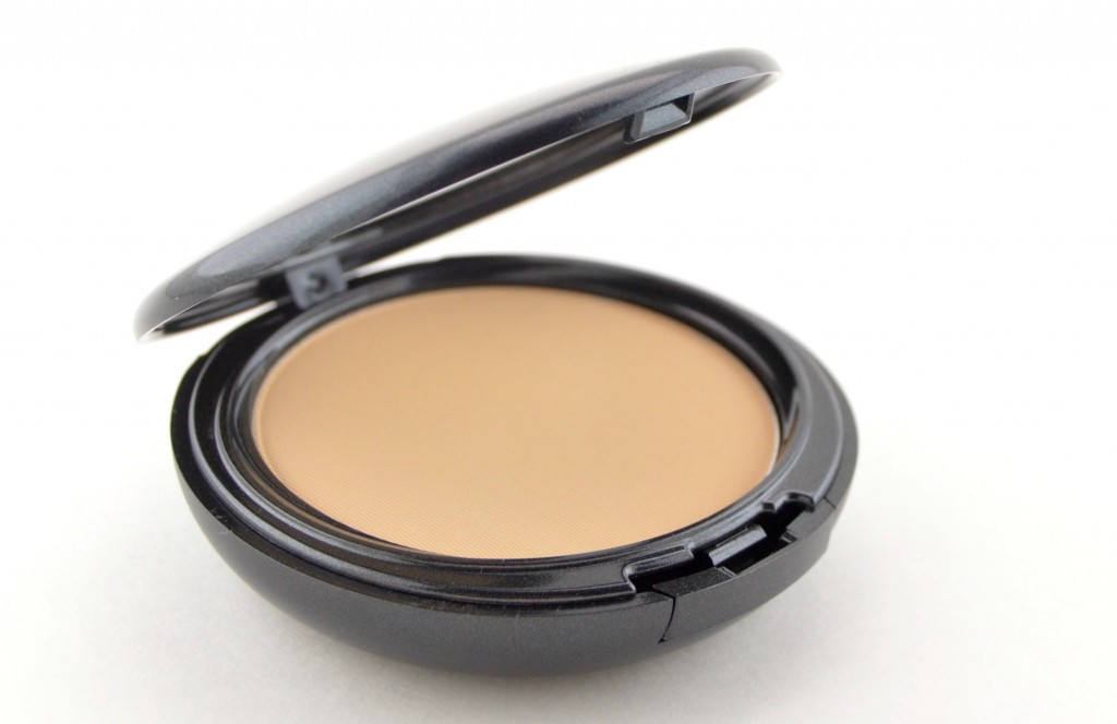 Compact, Medium Coverage, Foundation, Hides reddness, concealer, bronzer