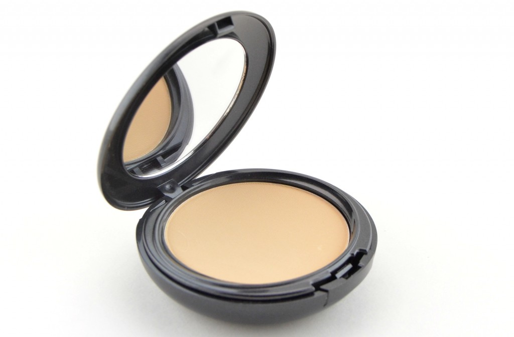 Pressed Mineral Foundation, powder, evens out skin tone, setting powder