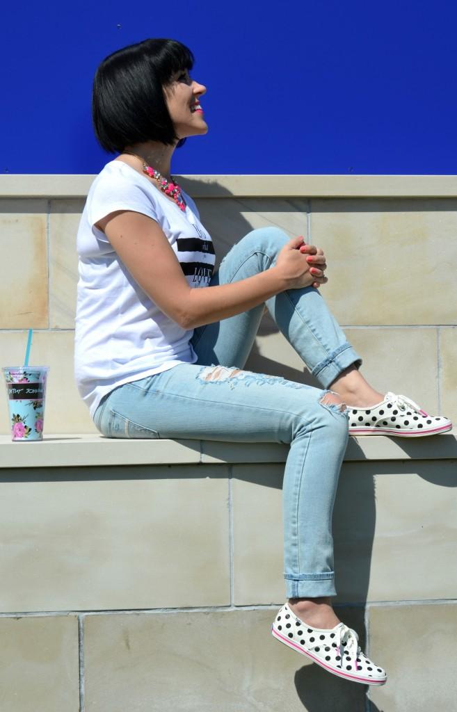 Casual Wear, Boyfriend Style, Light Blue Jeans, Necklace