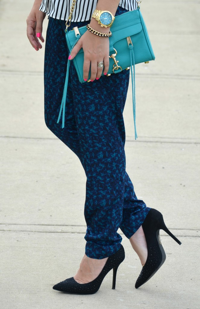 Pajama bottoms, pajama pants, comfy bottoms, chic printed pants, pumps, Call It Spring shoes, Call It Spring, shoes, H&M
