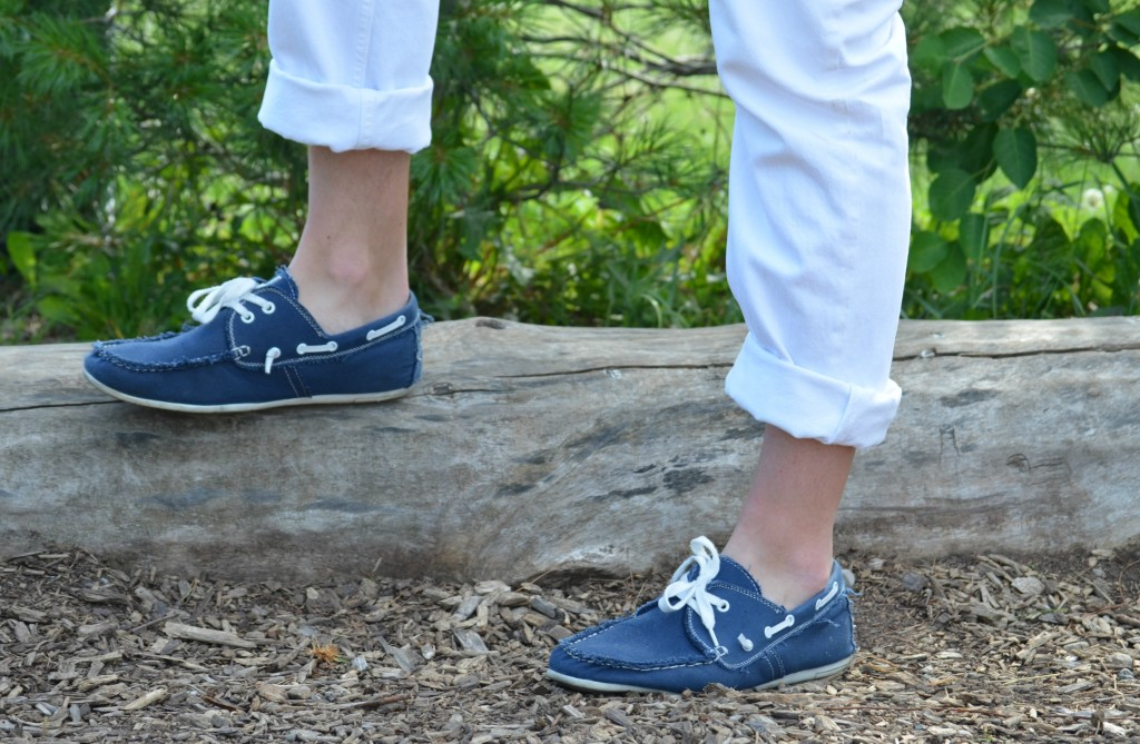 ankle bone, blue shoes, spring shoes, loafers, Canadian Fashion Blogger, Fashionista, denim, jeans