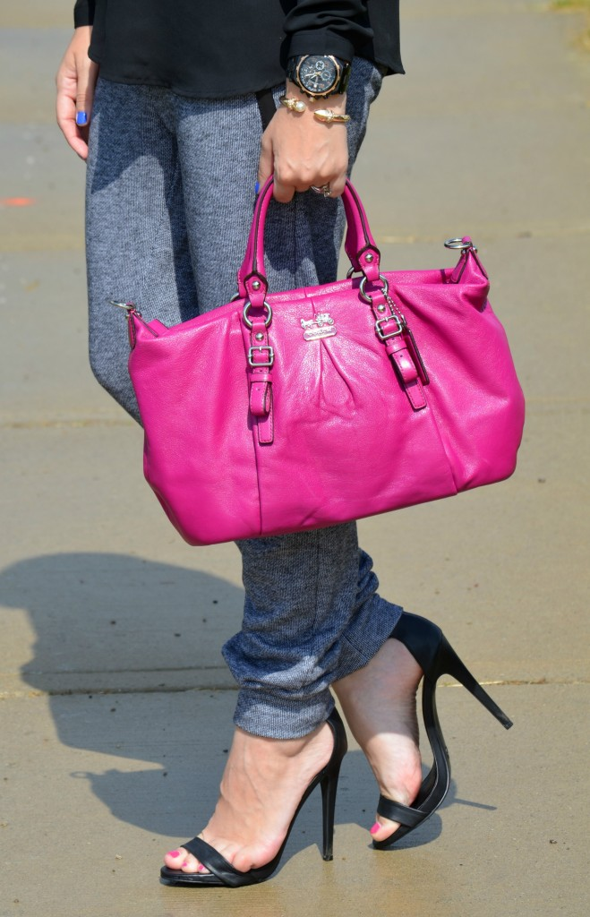 pink purse, coach purse, black blouse, guess watch, smart set bracelet, high heels, black sandals, shoes