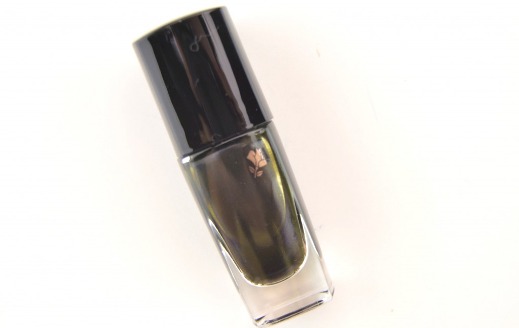 Lancôme, French Idole, Fall Collection, Lancôme's Tourmaline Noire, nail polish, deep and dark black polish, khaki polish, beauty blogger, fashionista