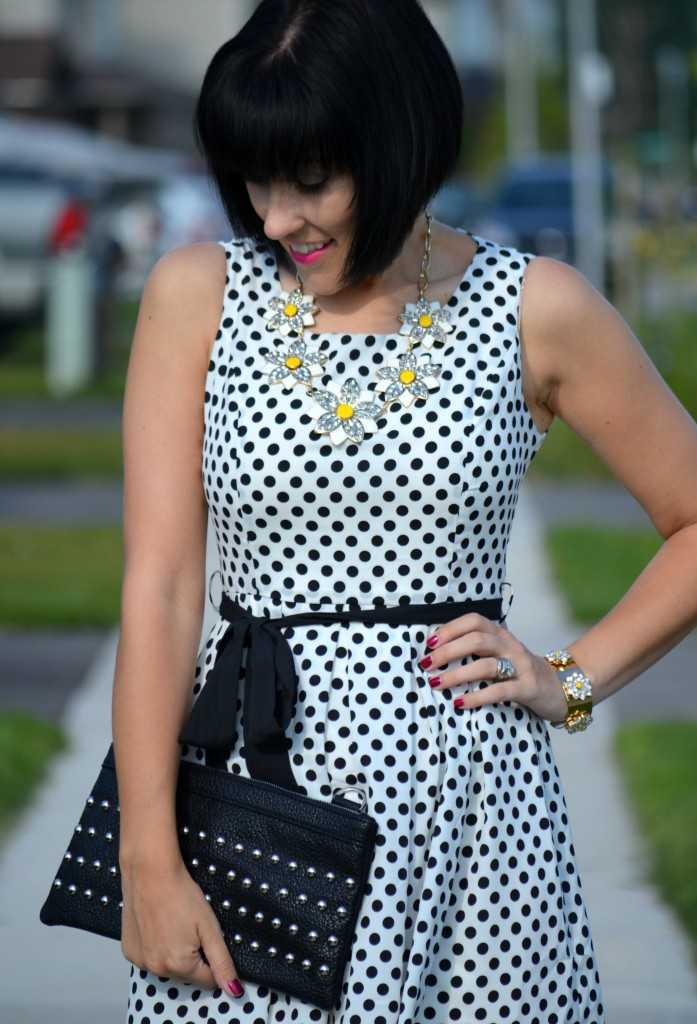 Black and white dress, date night, sunflower necklace, short hair, black booties, dsw booties, dsw canada
