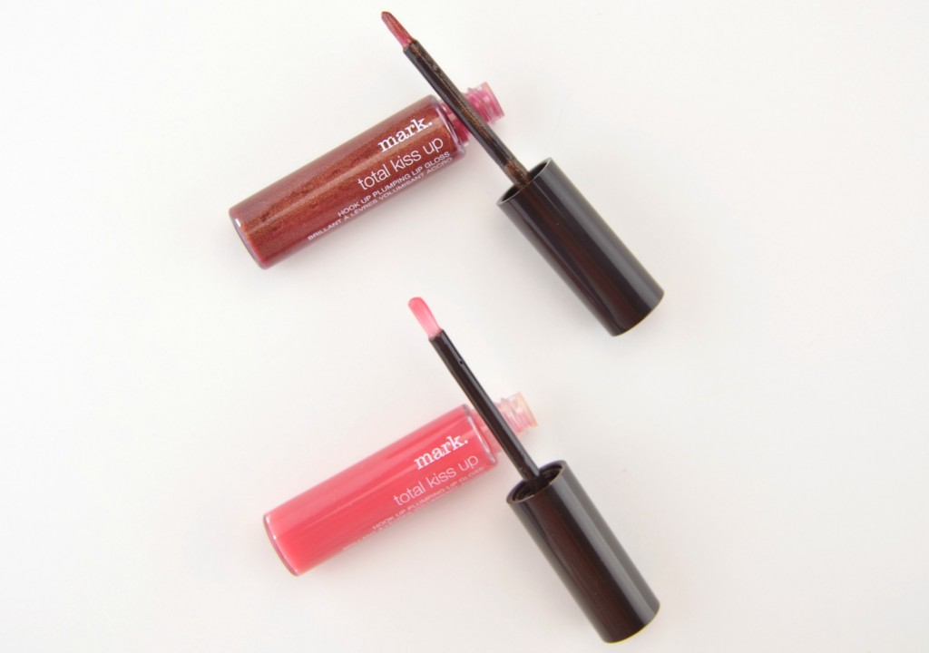 mark. Total Kiss Up Hook Up Plumping Lip Gloss (1)