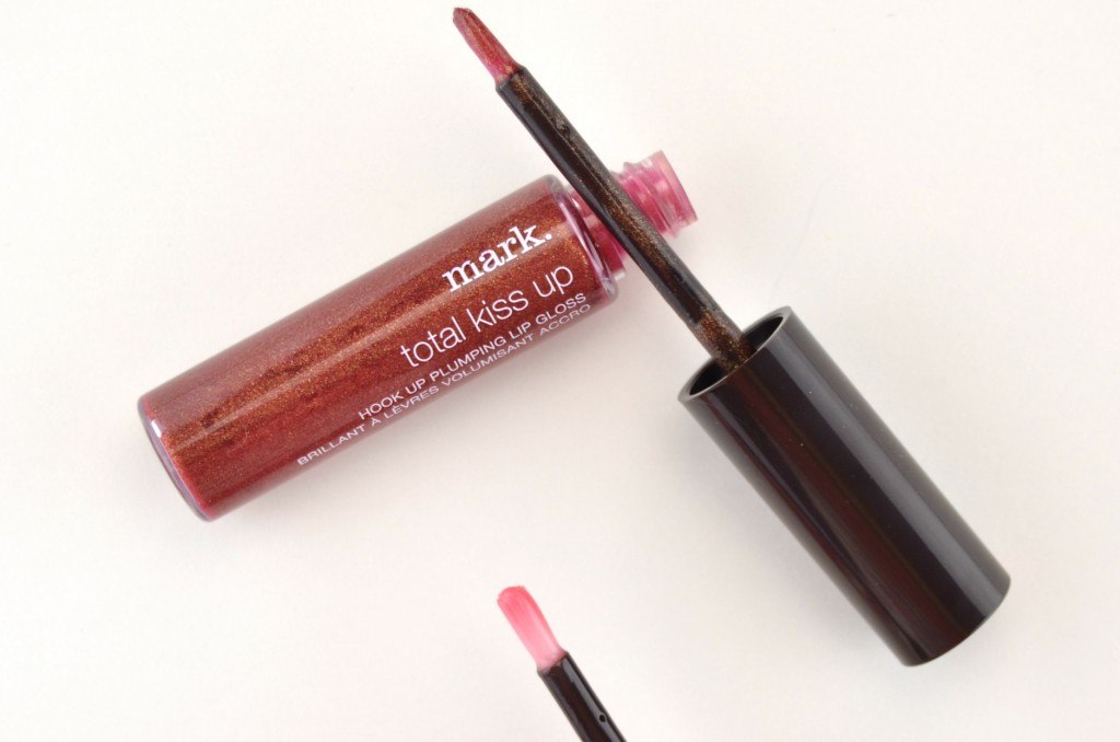 mark. Total Kiss Up Hook Up Plumping Lip Gloss (2)