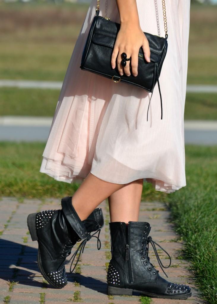 pink skirt, tutu, tulle skirt, pretty in pink, biker chick, rocker chic, black purse, cocoa jewelry
