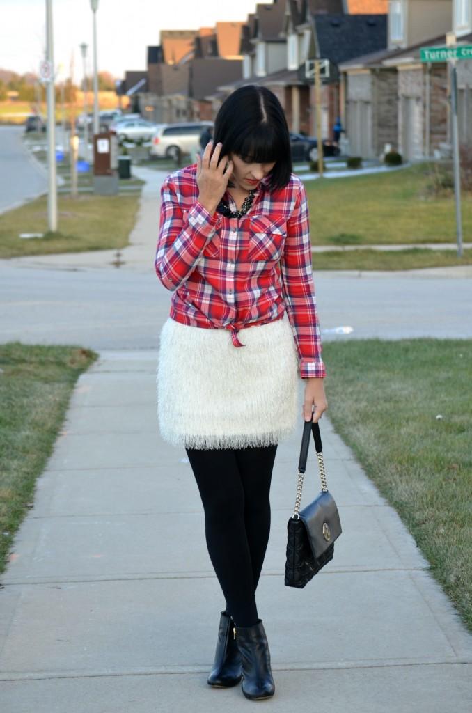 plaid shirt, blogger, fashion blog, smart set shirt, white skirt, hm skirt, black necklace