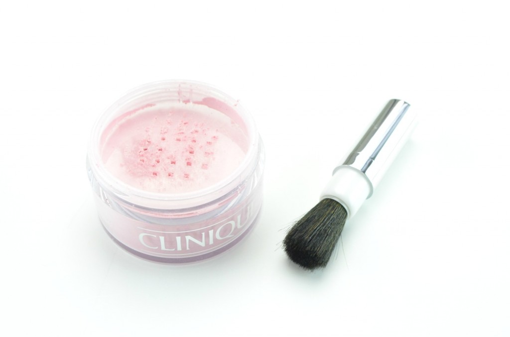 Clinique The Nutcracker Suite, Blended Face Powder in Snowflake Dreams, Canadian Beauty Bloggers, Canadian Beauty Blog, Canadian Beauty Blogger, Fashionista, look of the day, skin care routine, health care, skincare, FOTD