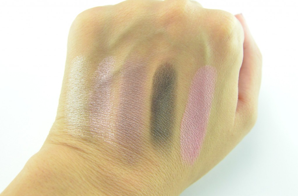 Clinique The Nutcracker Suite, Holiday Collection, Clinique The Nutcracker Suite Holiday Collection 2014 Review, makeup Review, lipstick Swatch, makeup Swatches, eyeshadow swatch, Makeup Reviews, Cosmetics Swatches, Tester, Test, Blogger Review, skin care, skin care review