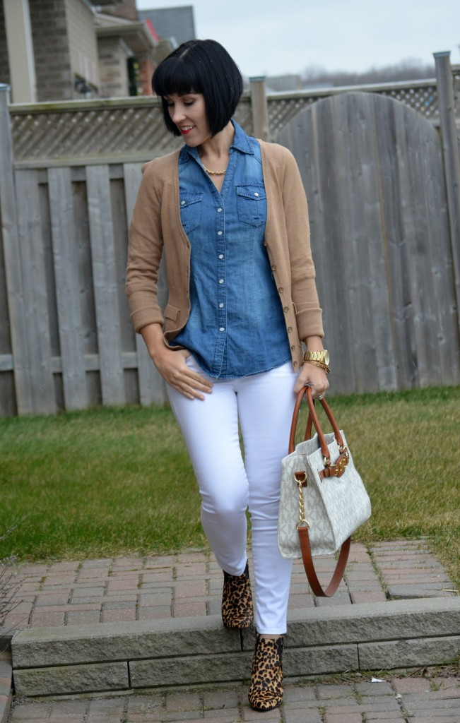 Alex and ani bangles, gold necklace, denim blouse, white purse, Michael kors handbag, white jeans, gap skinny jeans, animal print, nine west booties