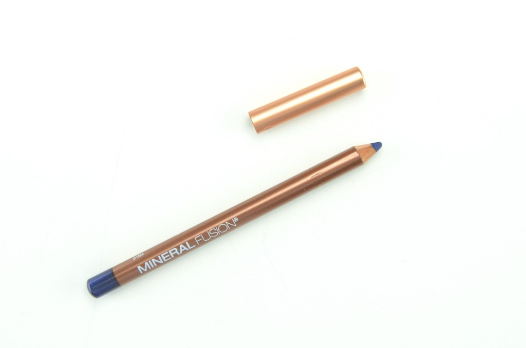 Mineral Fusion Eye Pencil in Azure