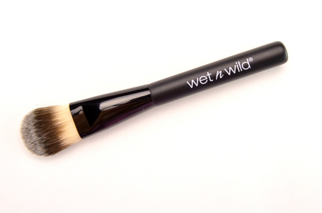 Wet N Wild Build A Foundation Foundation Brush