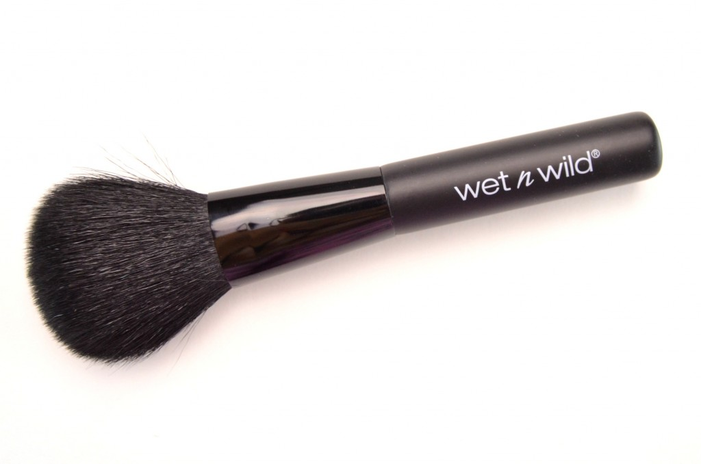 Wet N Wild The Louder Powder Powder Brush