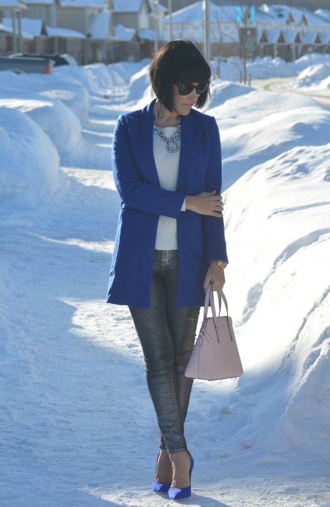 Kate Spade Purse, pink kate spade purse, pink handbag, shopbop purse, grey pants, grey skinny jeans, Jeffrey Campbell Pumps, blue pumps, Jeffery Campbell shoes, Canadian fashion bloggers