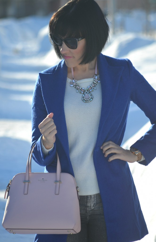 white Sweater, Smart Set sweater, sheinside blue coat, sheinside coat, pink necklace, smart set jewelry, d&g sunglasses, SmartBuyGlasses, rose gold watch, Michael kors watch