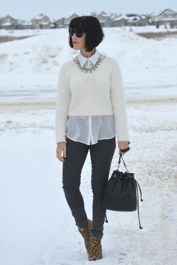 white Sweater, Smart Set sweater, white Blouse, Dynamite blouse, crystal Necklace, Style Unstructured necklace, black Bucket Bag, Express purse