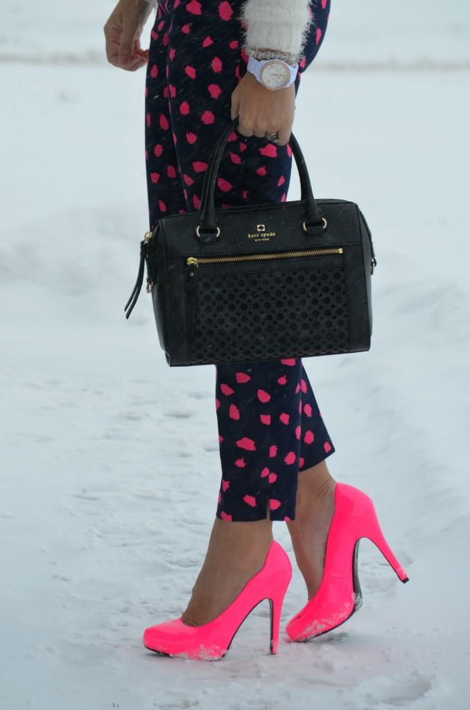 Hot Pink Pumps, Le Chateau pumps, pink shoes, pink pumps, le chateau pink pumps, black handbag, statement purse, crystal silver bracelet, fossil watch