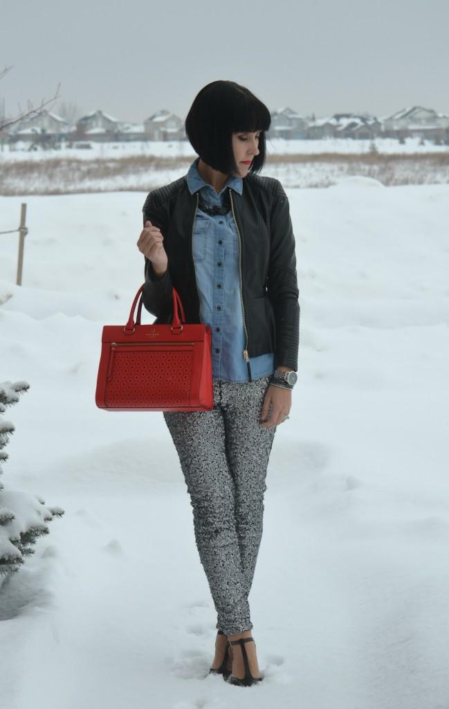 black Purse, Kate Spade handbag, Sequins Pants, H&M pants, black Pumps, Nine West shoes