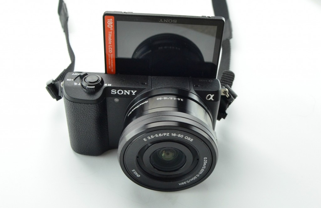 Sony A5100 Mirrorless Camera with 1650mm Zoom Lens Review (2)