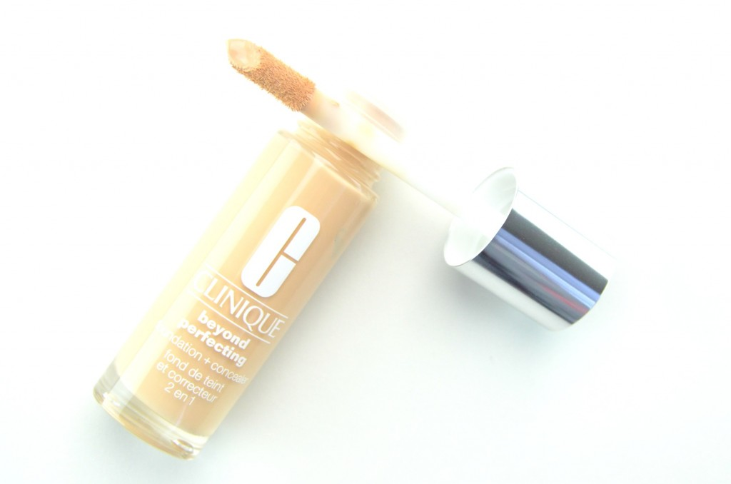 Clinique Beyond Perfecting Foundation + Concealer review, Clinique Beyond Perfecting , clinique foundation, foundation and concealer in one, clinique concealer, canadian beauty blogger
