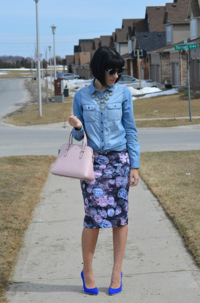 round sunglasses, sheinside, pink kate spade handbag, blue floral skirt, smart set skirt, blue pumps, cobalt pumps, Canadian fashionista