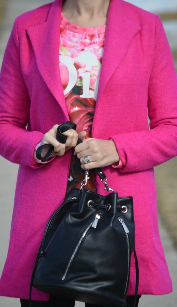 black Bucket Bag, Express purse, Black Jeans, black skinny jeans, Smart Set jeans, black Pumps, target shoes, Canadian fashion blog
