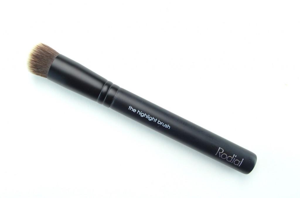 Rodial Highlight Brush  (1)