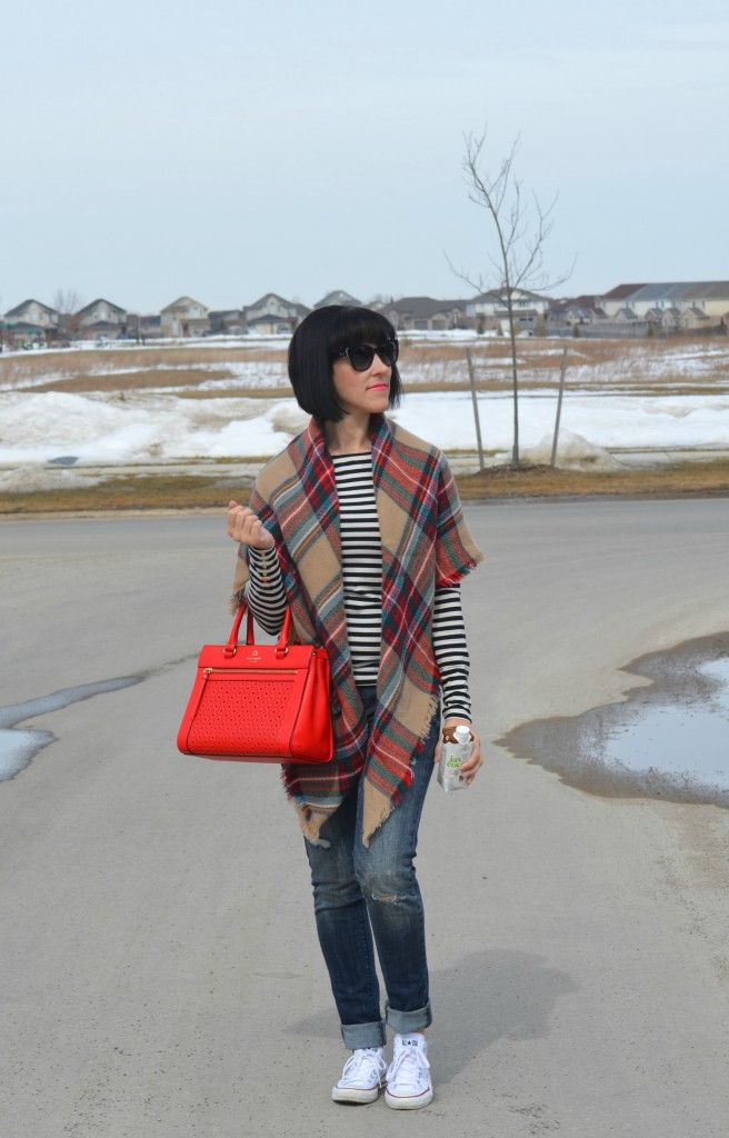 casual weekend wear look, What I Wore, striped tee, h&m top, blanket Scarf, Sheinside look, D&G Sunglasses, Smart Buy Glasses, red purse, kate spade handbag