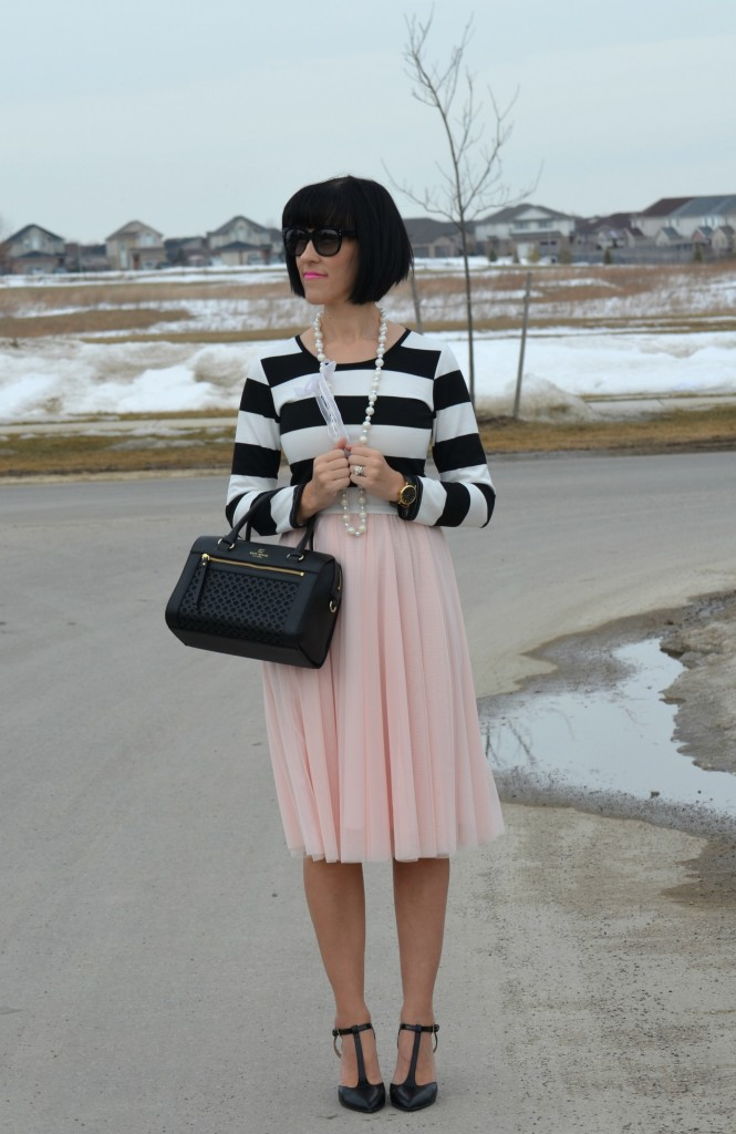canadian fashionista, What I Wore, black and white Top, Sheinside top, black Purse, Kate Spade handbag, oversize sunglasses, polette sunglasses, pink skirt, black heels, nine west pumps