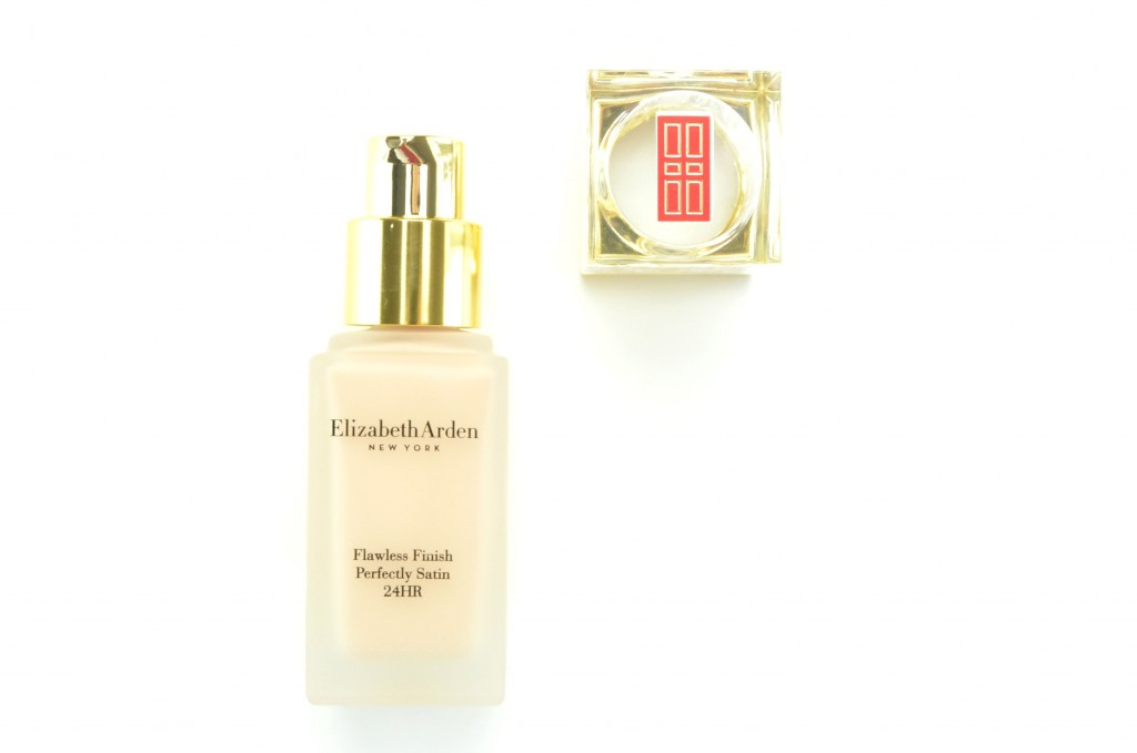 Elizabeth Arden Flawless Finish Perfectly Satin 24HR Liquid Makeup SPF 15 (4)