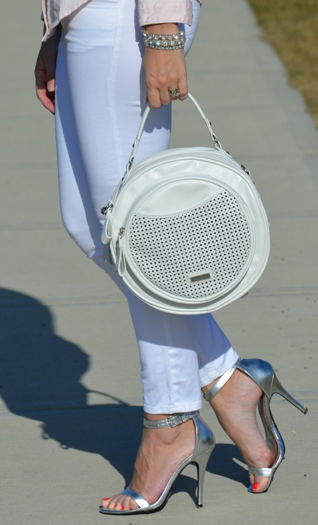 White Selena Purse, PinkStix purse, White Jeans, the Gap skinny jeans, silver Heels, Target sandals, Canadian fashionista